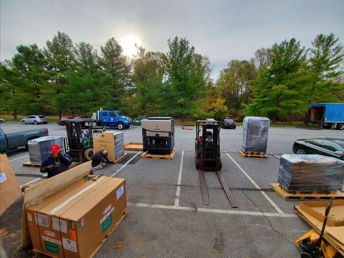 Outside Delivery of new HP Indigo 7900